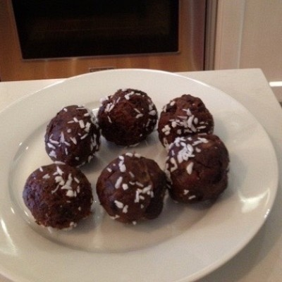 HOLIDAY SINLESS TRUFFLES
