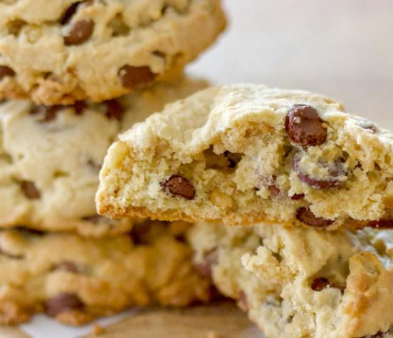 Mini chocolate chip walnut cookies | Shulman Weightloss