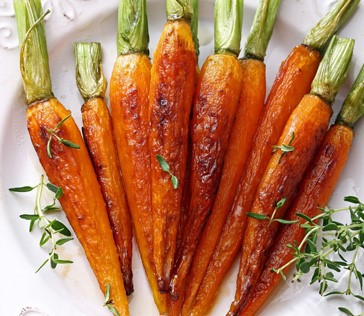 Garlicky Baked Carrots