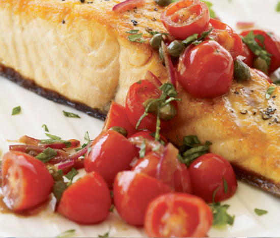 Baked salmon with roasted tomatoes and garlic | Shulman Weightloss